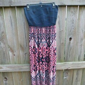 Strapless bandeau maxi dress